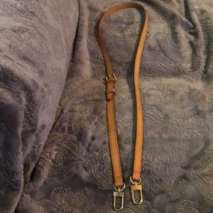 "38"" adjustable LV strap"
